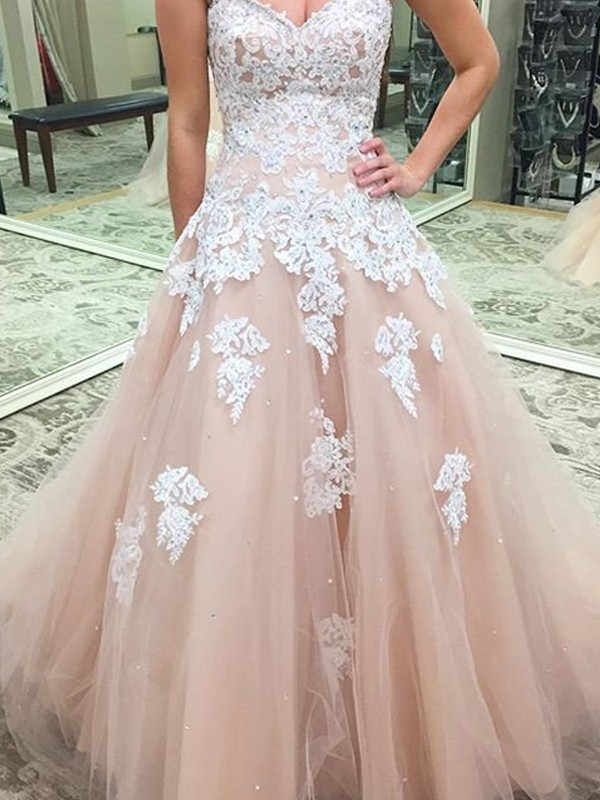 Sweet Ball Gown Sweetheart Cut Tulle Long Dresses With Applique