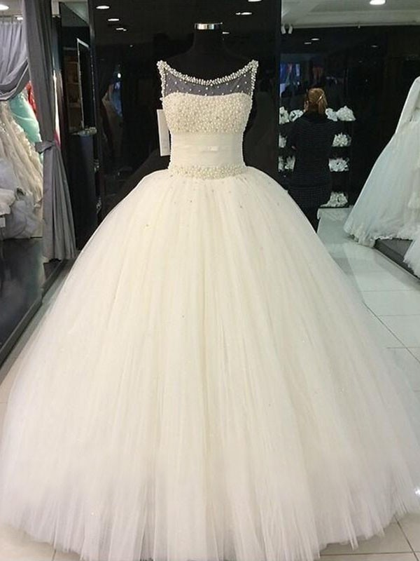 Amazing Ball Gown Scoop Cut Tulle Long Wedding Dresses With Beading