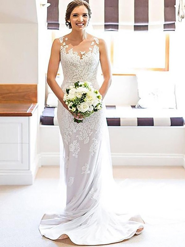Romantic Sheath Scoop Cut Lace Long Wedding Dresses With Applique
