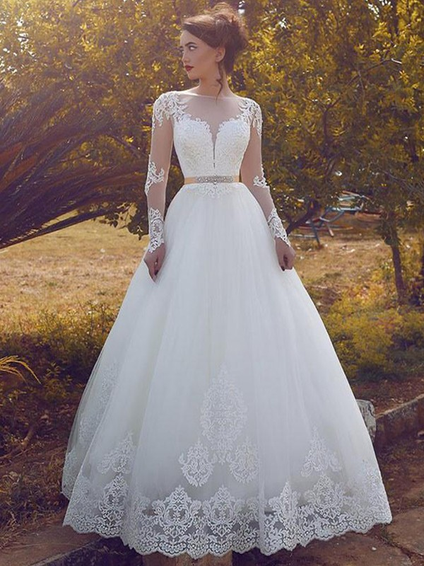 Brilliant Ball Gown Bateau Cut Tulle Long Wedding Dresses With Ruffles