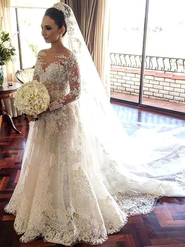 Sweet A-Line Bateau Cut Tulle Long Wedding Dresses With Lace