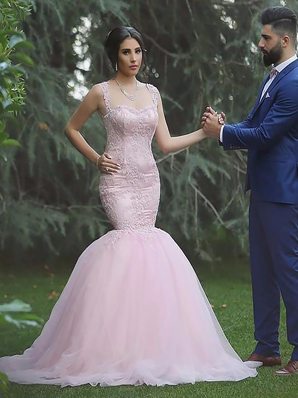 Graceful Mermaid Straps Cut Tulle Long Wedding Dresses With Ruffles