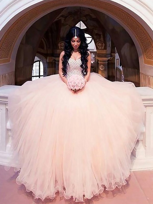 Soft Ball Gown Sweetheart Cut Tulle Long Wedding Dresses With Beading