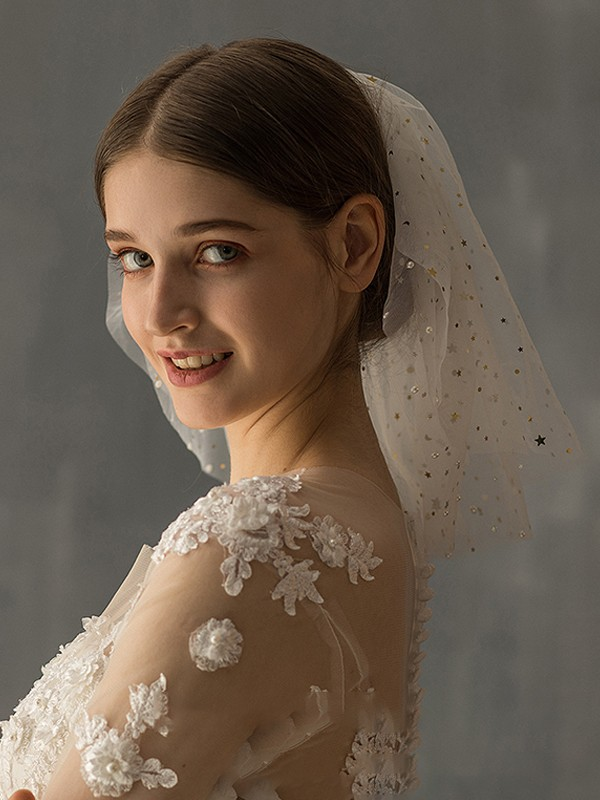 Gorgeous Tulle Two-Tier Shoulder Veils With Sequin